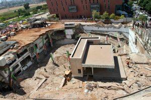 Tel Avive sugriuvus pastatui žuvo mažiausiai trys žmonės