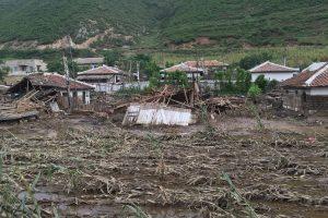 Potvyniai Šiaurės Korėjoje: per šimtą žuvusiųjų, tūkstančiai – be namų