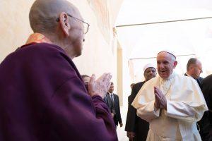 Popiežius pasaulio religijų vadovų susitikime: karo Dievo nėra