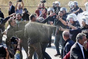Per atakos Ankaroje metinių protestą – policijos ir aktyvistų susirėmimas