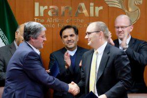 """Irano aviakompanija nupirko 80 """"Boeing"""" lėktuvų"""