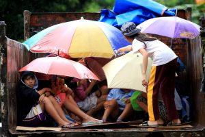 Filipinams per Kalėdas smogęs taifūnas nusinešė mažiausiai 4 gyvybes