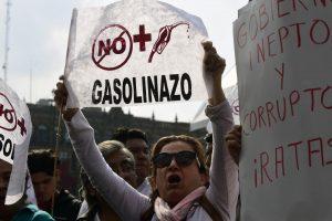 Smarkiai padidintos degalų kainos įžiebė meksikiečių protestus
