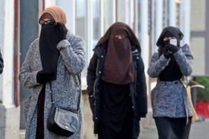 Džihadistus palaikanti paauglė siunčiama į koloniją