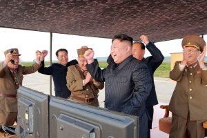 Šiaurės Korėja jau netoli tikslo užbaigti savo branduolinį ginklą?
