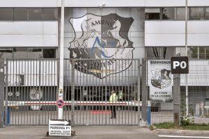 Prancūzijos futbolo stadione griuvus užtvarai sužeisti 29 žmonės