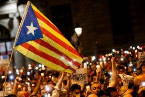 Ispanija sieks įšaldyti Katalonijos autonomiją