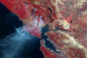 Gaisrai Kalifornijoje sunaikino apie 7000 pastatų