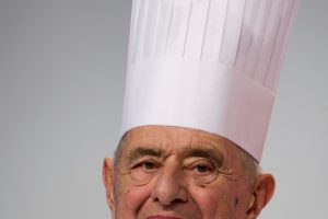 """Sulaukęs 91-erių mirė Prancūzijos virtuvės """"popiežius"""""""