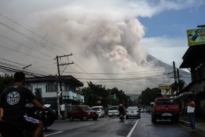 Aktyviausią Filipinų ugnikalnį sudrebino smarkus sprogimas