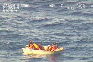 Ramiajame vandenyne nuskendusiame kelte buvo daugiau kaip 80 žmonių