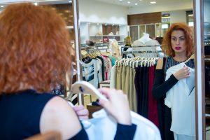 Garsių moterų atostogų įžanga – išsirinkti tinkamiausius drabužius