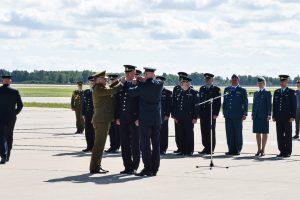 Aviacijos bazei Šiauliuose vadovaus A. Matutis