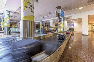 Naudinga žinoti keliaujantiems: keičiasi rankinio bagažo reikalavimai