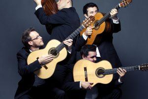 """Festivalio """"Gitaros fiesta"""" scenoje muzikuos net žinomi aktoriai"""