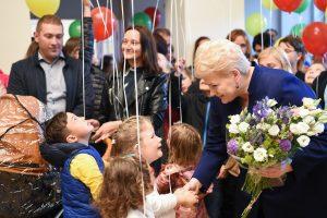 Prezidentė džiaugiasi: visuomenė vis labiau rūpinasi vaikais