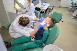 Perspėjimo signalas Kaune: tik kas penktas vaikas turi sveikus dantis
