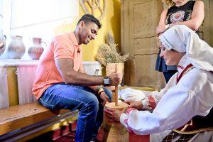 Dėl meilės į Lietuvą atvykęs šefas iš Šri Lankos tapo naujos laidos vedėju