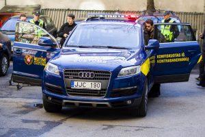 Muitininkai patruliuos iš kontrabandininkų konfiskuotu automobiliu