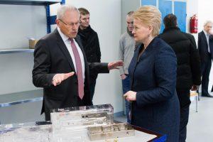 """Lietuva tampa lazerių slėniu: atidarytas naujas """"Šviesos konversijos"""" pastatas"""