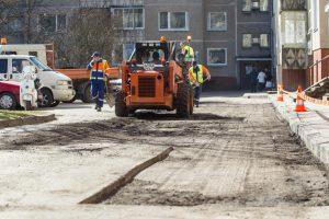 Vilnius atsinaujina: daugiabučių kiemuose užvirė tvarkymo darbai