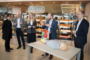 """Lidl"" rūpi sauga: parduotuvėse – gyvybes gelbstintys defibriliatoriai"