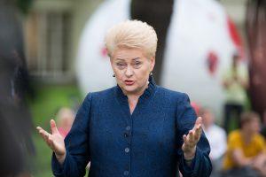 Himnas suvienys tautą: prezidentė kreipėsi į viso pasaulio lietuvius