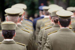 Teismas apgynė karės savanorės teisę gauti motinystės pašalpą