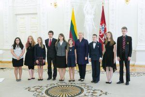 """D. Grybauskaitė pasveikino """"Tūkstantmečio vaikus"""""""