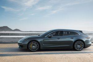 """Pasaulinė premjera Ženevoje: """"Porsche Panamera"""" gamą papildys """"Sport Turismo"""" versija"""