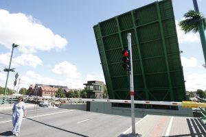 Tilto kilnojimas – totali nesąmonė?