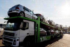 Kauno automobilių turgus maitina ne tik pardavėjus