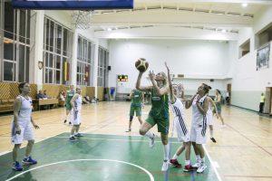 Baigėsi tarptautinis veteranų krepšinio turnyras