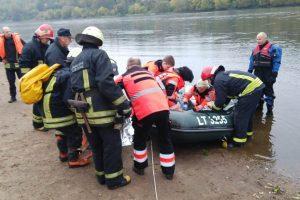 Dramatiška operacija: išgelbėta nuo Trijų mergelių tilto nušokusi mergina