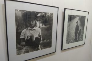 A. Sutkaus fotografijose Raudondvaryje – tėvų ir vaikų ryšys