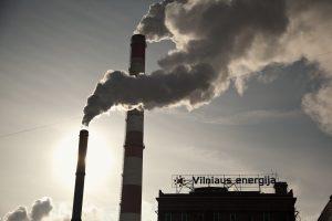"""Kainų komisija turės iš naujo vertinti """"Vilniaus energijos"""" kainas"""