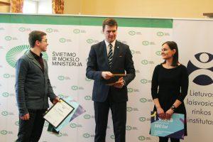 Nacionalinis ekonomikos egzaminas: apdovanoti geriausieji