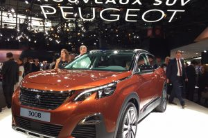 """Paryžiaus automobilių parodoje """"Peugeot"""" pristato tris naujus modelius"""