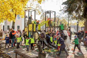 Dovana Vilniui – nauja vaikų žaidimo aikštelė S. Moniuškos skvere