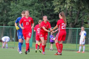 Lietuvos aštuoniolikmetės futbolininkės pralaimėjo Farerų salų ekipai