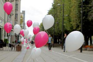 Laisvės alėją nuspalvino balionai