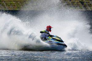 Į Zarasus atvyksta geriausi Rytų Europos vandens motociklininkai