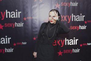 Žinomų moterų eksperimentai su plaukais: chemija, kiaušiniai ar žirklės