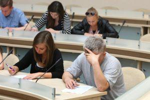 Nacionaliniame KET egzamine – ir vaikų klausimai vairuotojams