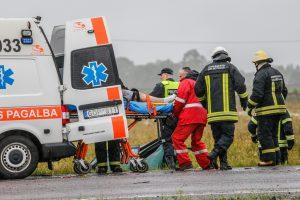 Per savaitgalį eismo nelaimėse sužeisti 37 žmonės, trys žuvo