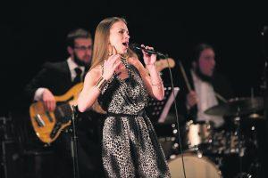 Gyvenimo būdą pakeitusiai dainininkei itin tinka svarmenys