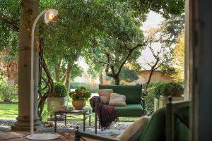 Interjero dizainerės patarimai: lauko terasoje – lyg Amazonės džiunglėse