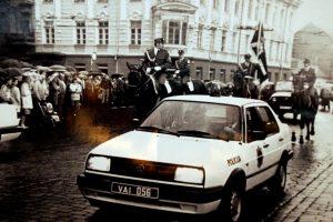 """Zombiais versti policijos pareigūnai kliuvo ir Sąjūdžiui, ir """"Jedintstvo"""""""