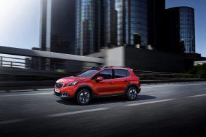 """Atnaujintas """"Peugeot 2008"""" – sportiškas ir kompaktiškas automobilis"""