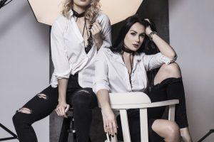 """""""Pinup girls"""" tęsia tradiciją: naujam sezonui – nauja fotosesija"""